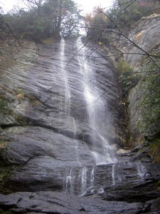 About as tall as Mill Creek Falls but easier to get all in one frame from the viewing location