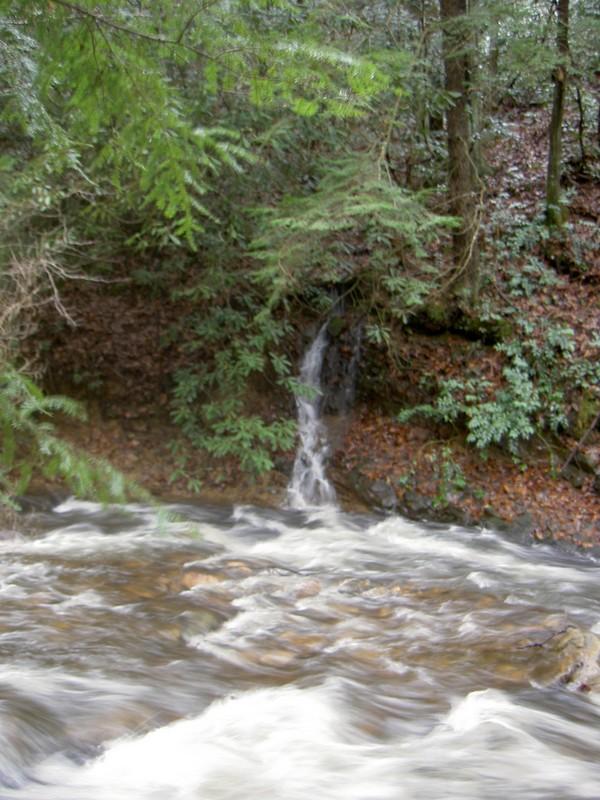 12-11-2004 trip: Small wet-weather cascade emptying into Laurel Fork Creek